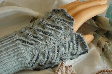 Lace Wristlets Knitting Pattern : HeartStrings Beaded Lace Wristlets