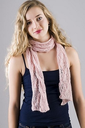 HeartStrings Lace and Cables Scarf