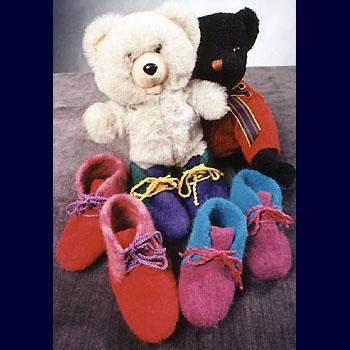 Fiber trends childrens felt boot slippers dt1010fo